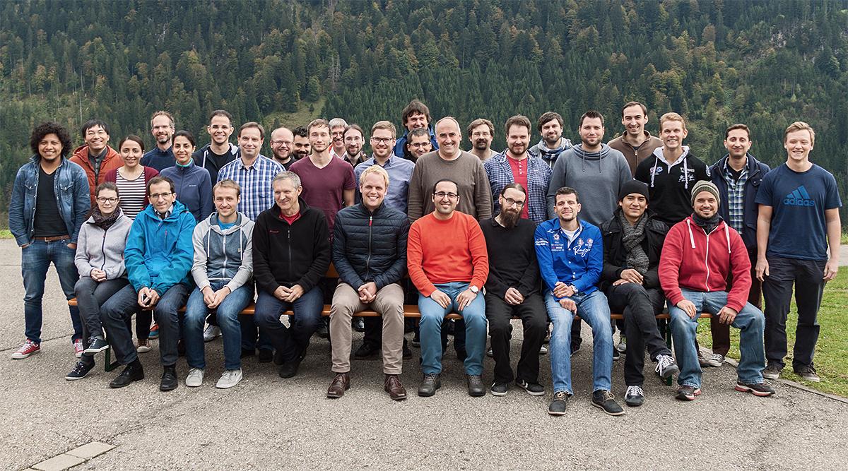 Bild der Mitglieder des Lehrstuhls Hardware-Software-Co-Design