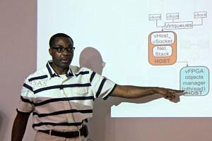 Prof. Bobda während seines Vortrages