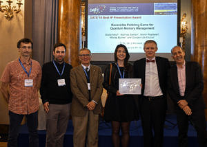 Preisverleihung auf der DATE 2019 Party im Palazzo Borghese; DATE 2019/copyright:Cruz Garcia, die Personen stehend vor der Präsentations-Leinwand